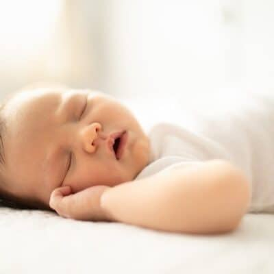 The 3 biggest reasons your newborn isn't napping during the day